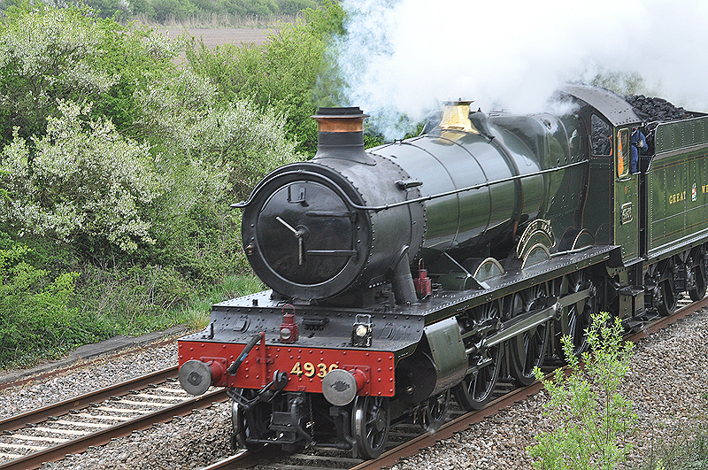 Kinlet Hall 4936 steam train
